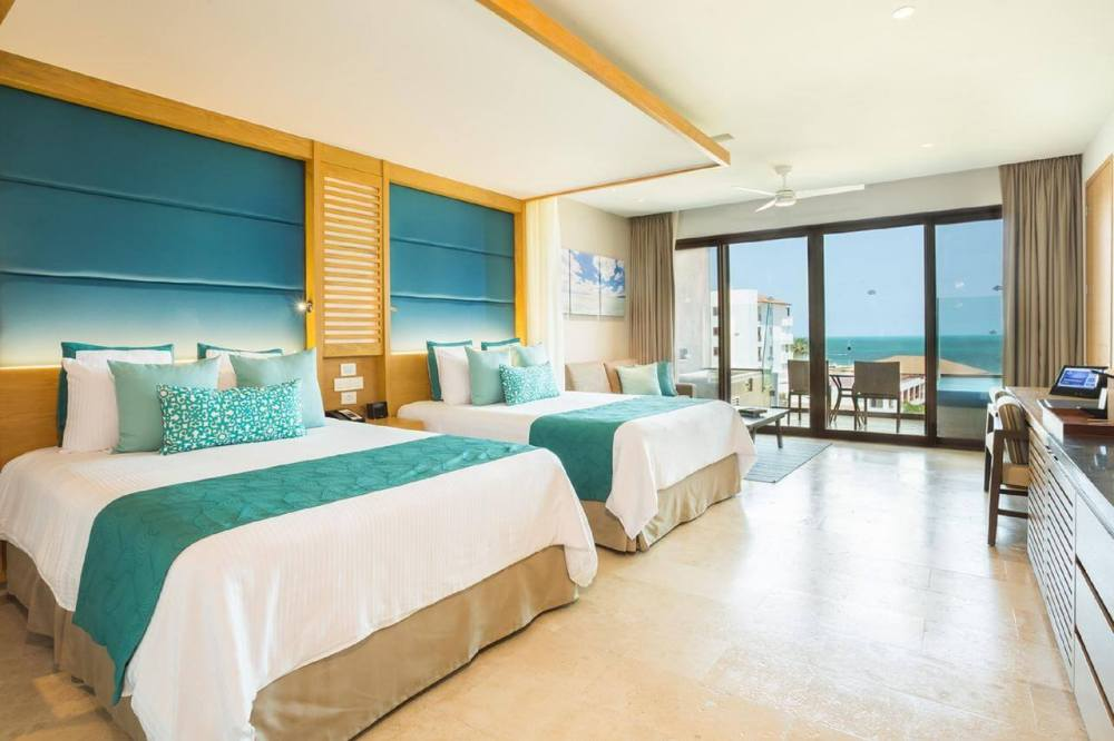 Top U.S. Travel Blog, Travel With A Plan   Dreams Playa Mujeres review with photo of guestroom suite