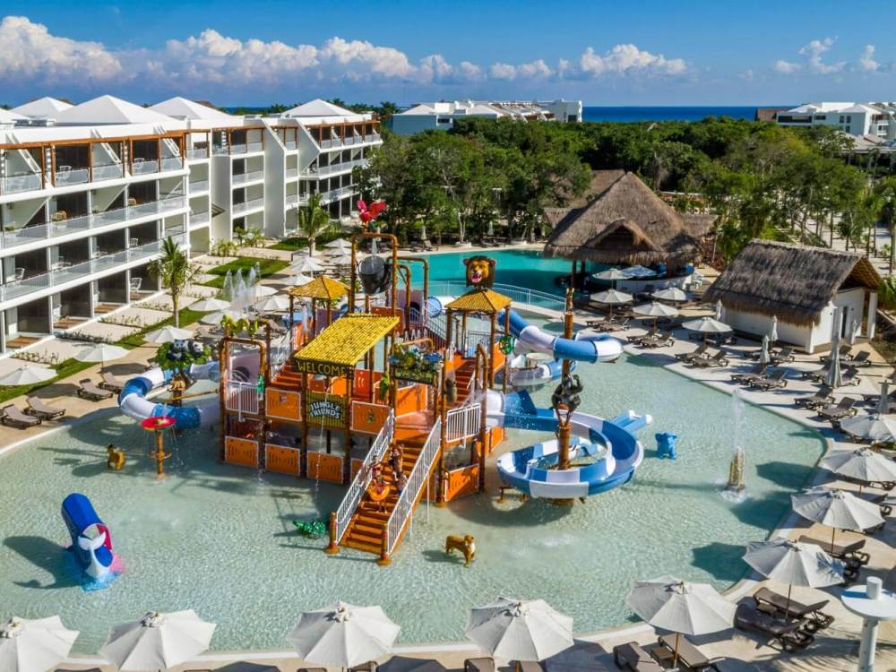 Top U.S. Travel Blog | Travel With A Plan: Ocean Riviera Paradise Review of water park with slides and sprayers