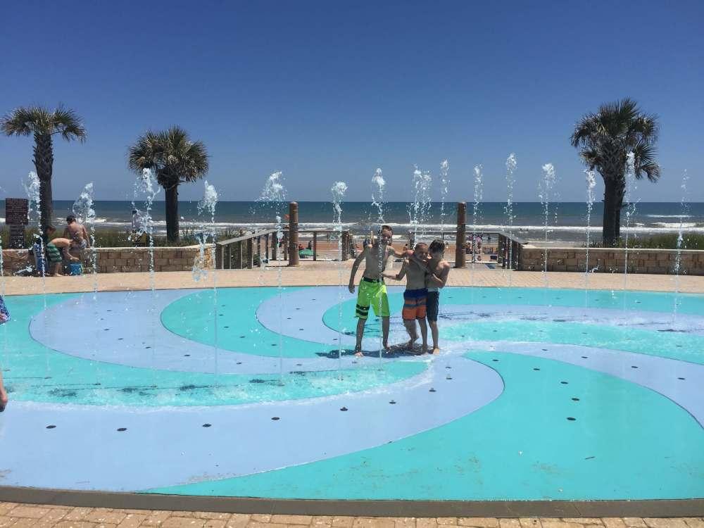Beach spalsh pad