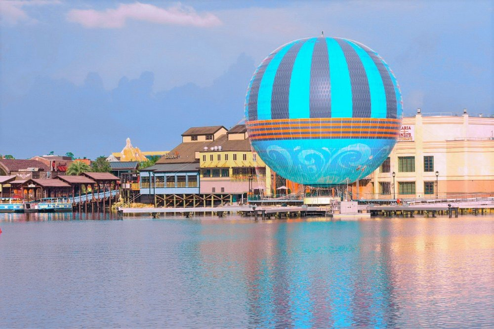 Find out the absolute best things to do in Orlando by reading our 6-day Orlando Itinerary and Top 13 Things to do in Orlando!  Your Orlando bucket list will be complete when using our helpful guide to Orlando, FL!  #Orlandoitinerary #bestthingstodoinOrlando #thingstodoinOrlando #Orlandofamilyvacation
