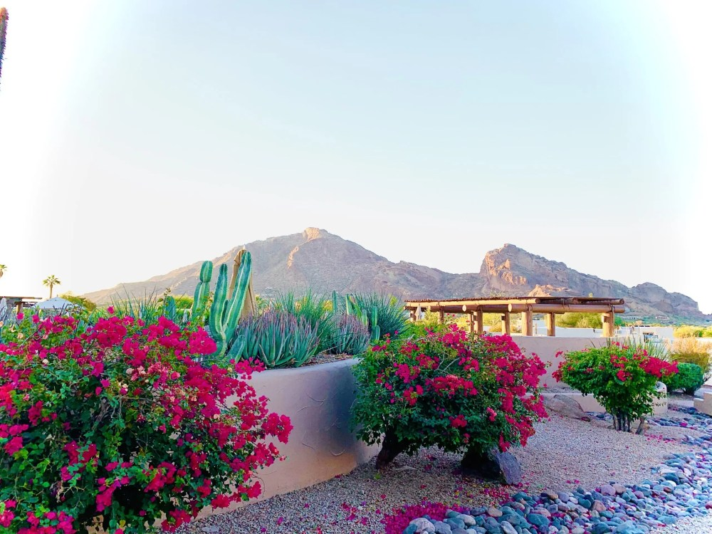 Top US travel blog features Camelback Mountain during a Scottsdale girls weekend.