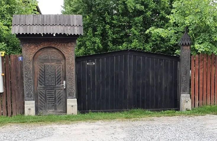 Poarta de lemn din judetul Mures
