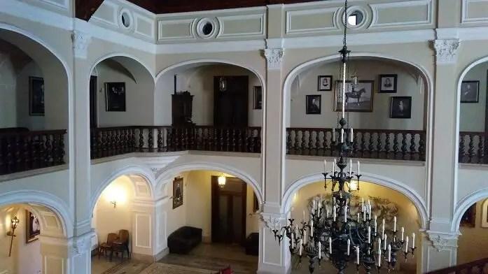 Interiorul castelului Karoly din Carei