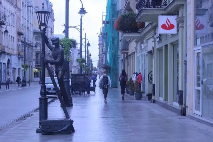 Statue on Piotrkowska street