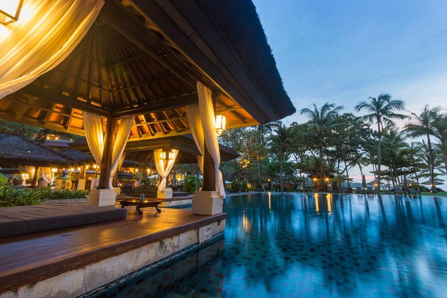 InterContinental Bali Swimming Pools Pasta PLUS Hammock