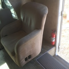 Swivel Chair Em Portugues Old Hickory Tannery Rv Travel With Grant