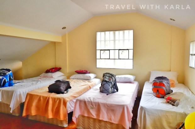 Charming Tagaytay Vacation Home (4)