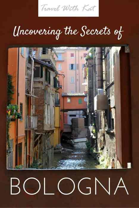 Discovering the secret canals of Bologna.