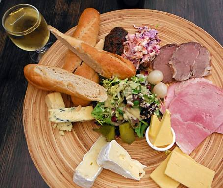 A ploughmans lunch and cider