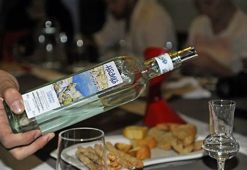 Things to do in Athens, tsipouro tasting