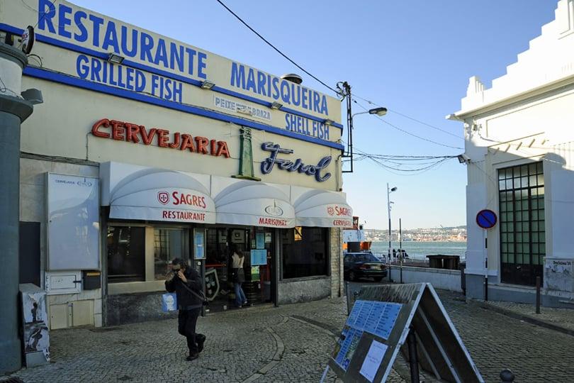 Fish and seafood restaurant Farol, Cacilhas, Lisbon