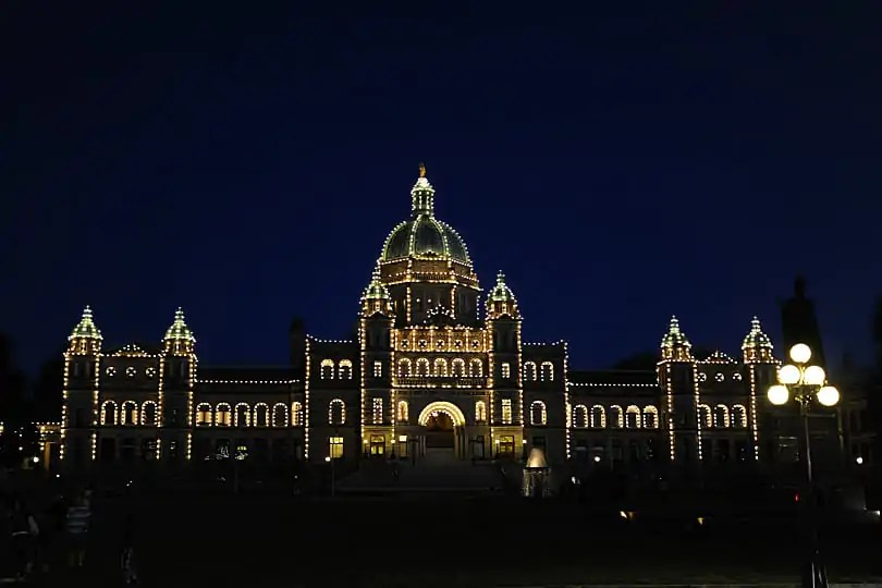 British Columbia Parliament by night, Victoria, British Columbia