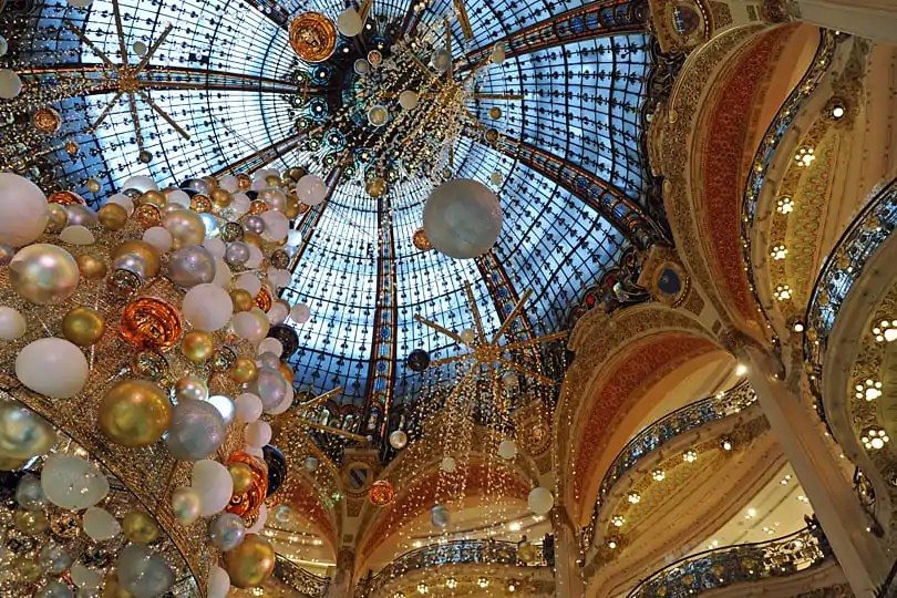 Galeries Lafayette, stained-glass cupola at Christmas 2015