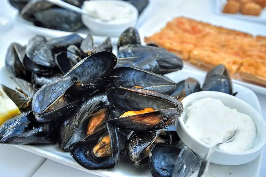 Menorcan mussels with mayonnaise