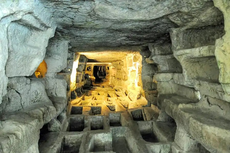Catacombs, at the archaeological park of Cava d'Ispica