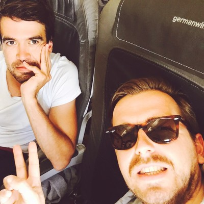 Flugzeug Über mich Reiseblog Travel with Massi Ich und mein bester Kumpel Christoph