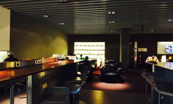 Lufthansa Senator Lounge München H Non-Schengen Review Loungebereich
