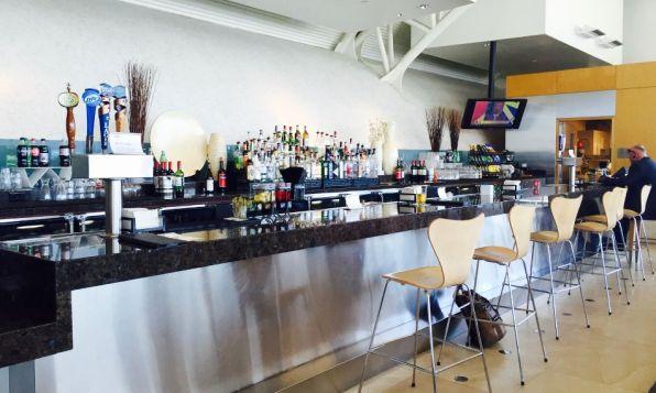 Review: Admirals Club Los Angeles Terminal 4 Bar 2