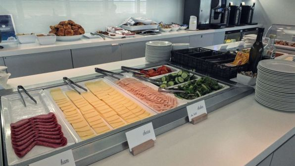 Brussels Airlines Lounge The Loft Brüssel Non-Schengen Speisenauswahl