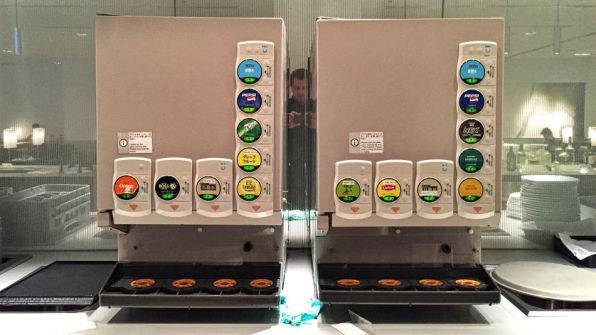ANA Lounge Tokio Narita Buffet Soda Getränke- und Bierzapautomat