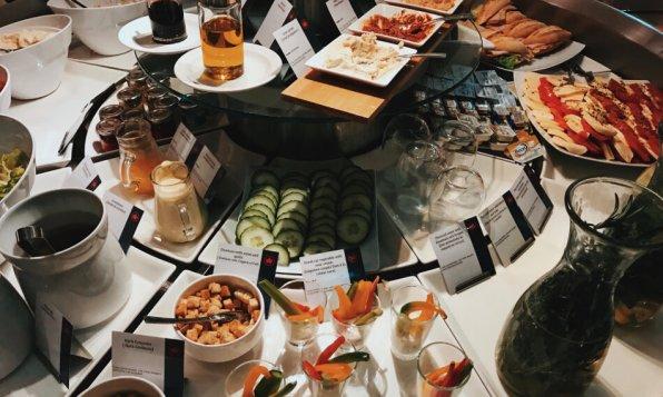 Air Canada Maple Leaf Lounge Frankfurt kaltes Buffet