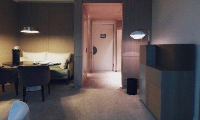 Review The Ritz-Carlton Wolfsburg Club Suite Blick zur Eingangsbereich