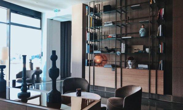 Review The Ritz-Carlton Wolfsburg Club Suite Lobby Bibliothek