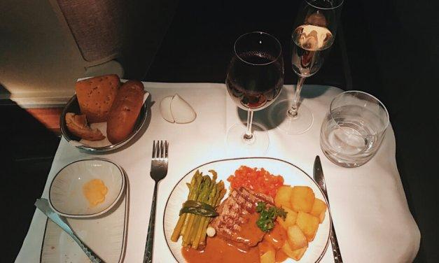 Review Thai Business Class 777 Phuket- Frankfurt Main Course Dinner