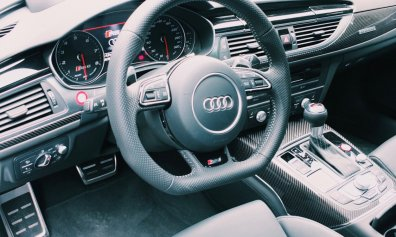 Review The Ritz-Carlton Wolfsburg Audi RS6 Performance Cockpit