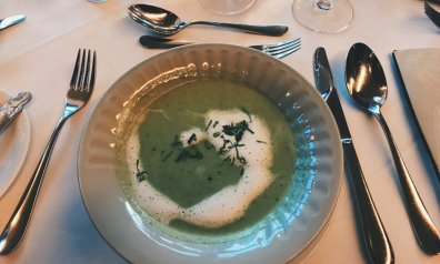 Review - Romantik Hotel Wartburg - Dinner Restaurant Luther-Menue Vorspeise Suppe