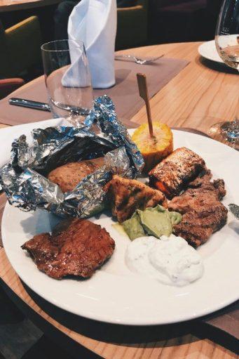Review Steigenberger Parkhotel Braunschweig Restaurant Brasserie an der Oker Grill-Buffet Fleisch