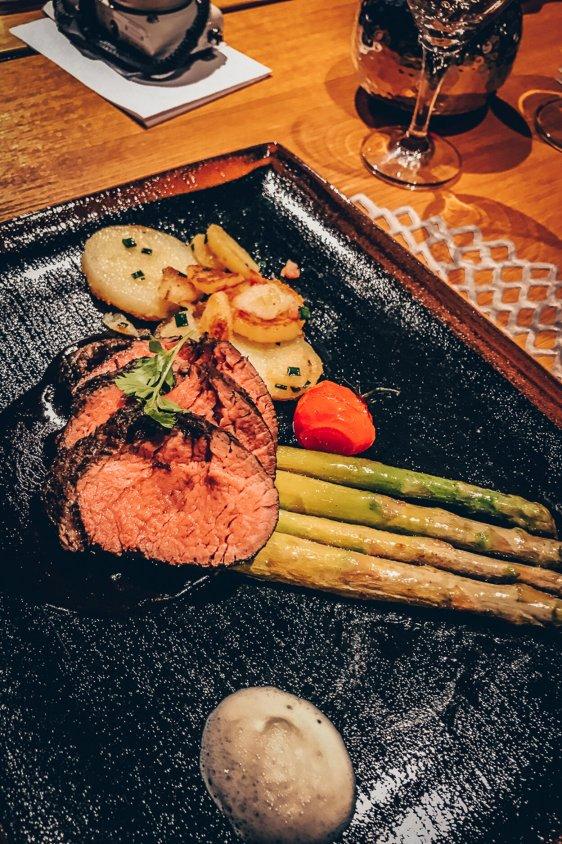 Review Lindner Hotel Wiesensee Steakhouse mooq Steak Hauptgang