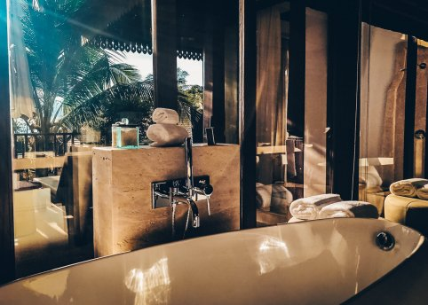 Review The Ritz-Carlton Koh Samui Pool Villa Badewanne