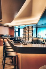 neue-swiss-first-class-lounge-zurich-a-16