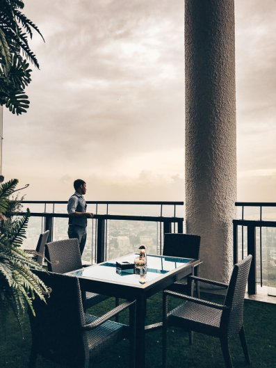 Review Banyan Tree Bangkok Saffron Sky Garden Bar