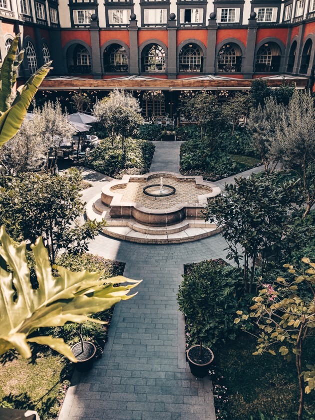 Review Four Seasons Mexico City Courtyard