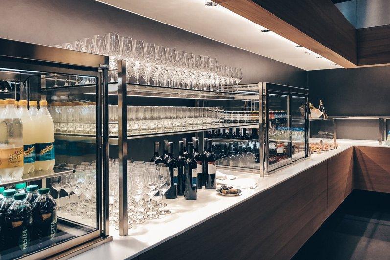 Neue Swiss Business und Senator Lounges Zürich A Buffet