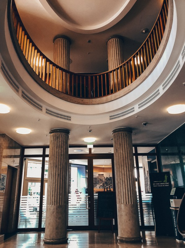 Lobby des Lindner Hotel Main Plaza Frankfurt