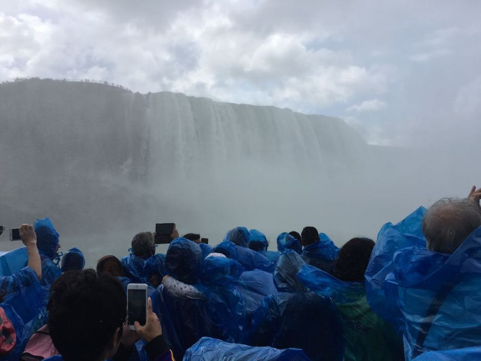Maid of the Mist - Guide to Niagara Falls