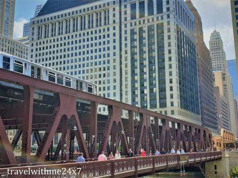 bridge in chicago