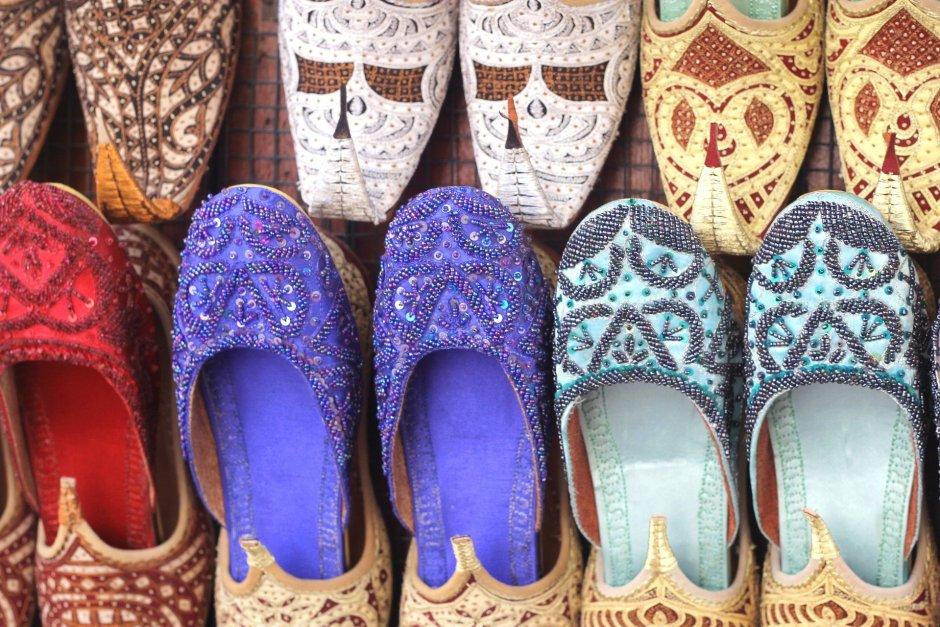 Arab shoes Shopping In Dubai – Souvenirs From Dubai