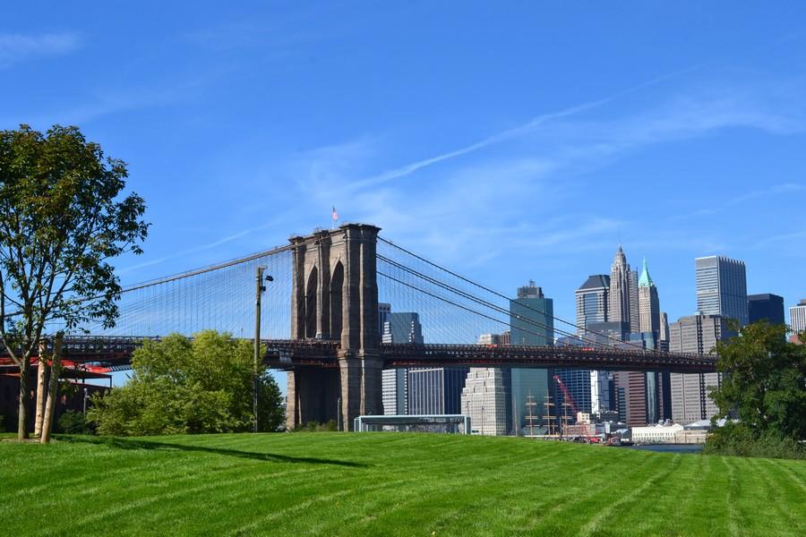 Vue sur Manhattan depuis le pont de Brooklyn
