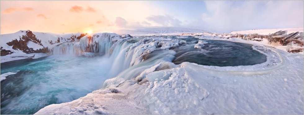Gullfoss瀑布冬天美得很夢幻,是攝影團愛來的地方