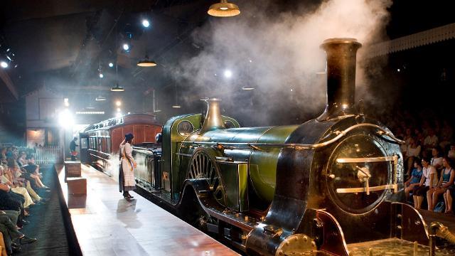 the-railway-children-at-kings-cross-theatre-6fe6bef537f511d47787060f71d3f2cb
