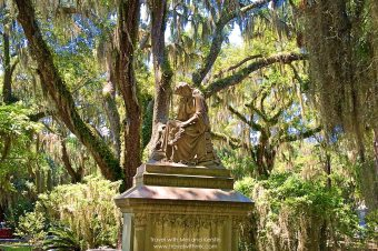 Bonaventure Cemetery: Our First Stop in Savannah