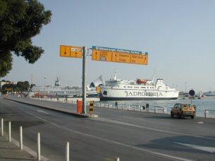 השוק ליד נמל ספליט