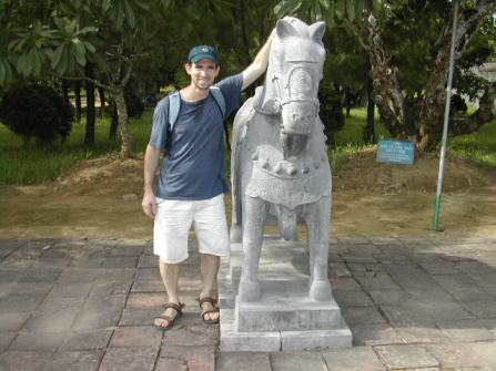 קברי המלכים ליד הואה בוייטנאם