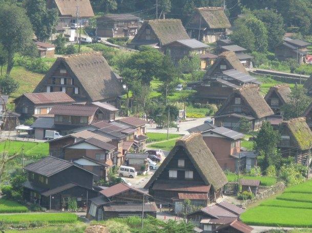 שירקאווה גו באלפים היפניים