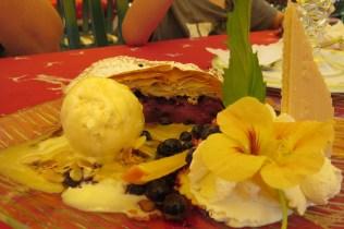 עוגה עם גלידה