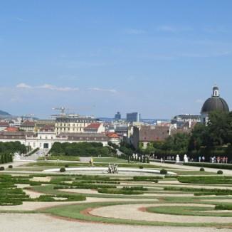 חצר ארמון הבלוודר